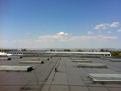 Строителна фирма за професионален ремонт на покриви - къща, жилищен блок или промишлена сграда.